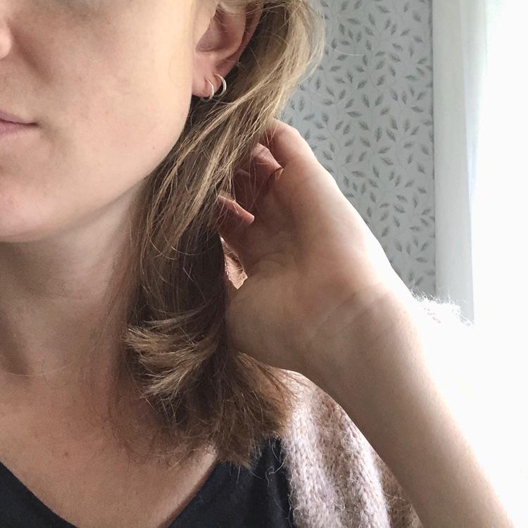 Tiny hoops • Små silverring örhängen