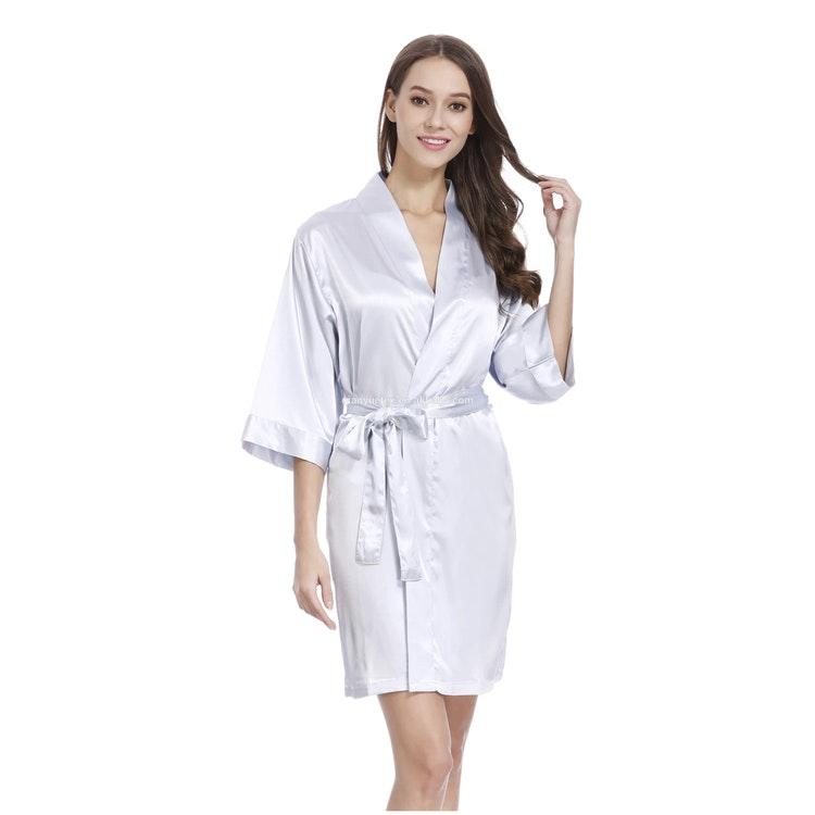 Kimono i satin, kort modell