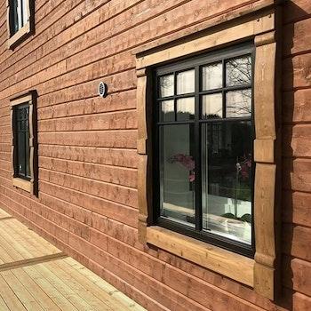 Fönster- och dörrfoder