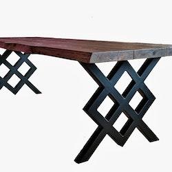 Matbord med stålunderrede