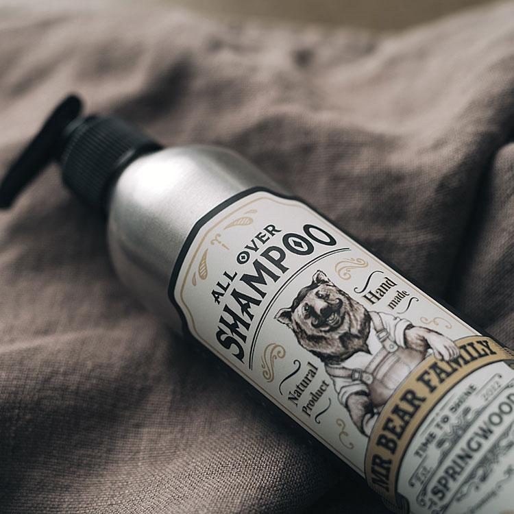 Mr Bear Family All Over Shampoo Springwood, ett shampoo gjort på naturliga produkter som både är snällt och skonsamt för håret