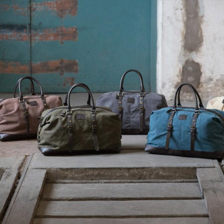 Sandhamn Snygg och prisvärd weekendbag i canvas och konstläder