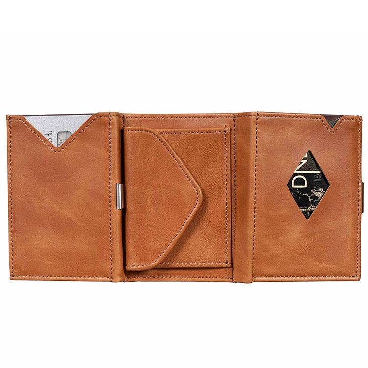 Exentri Multiwallet Sand, exklusiv och smart plånbok med myntfack och plats för kort, sedlar och kvitton.