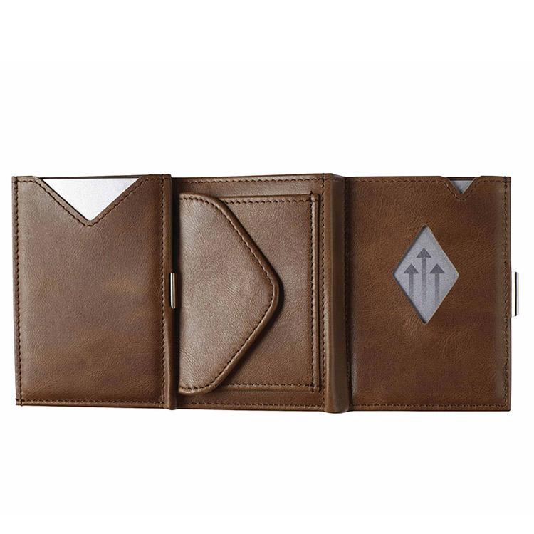 Exentri Multiwallet Hazelnut, exklusiv och smart plånbok med myntfack och plats för kort, sedlar och kvitton.