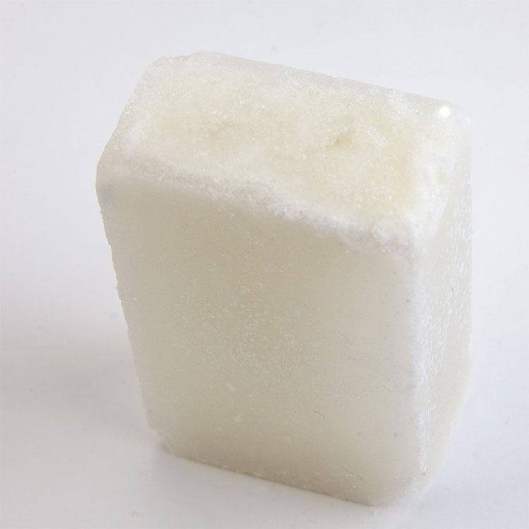 Proraso Post Shave Stone, alunsten som stoppar mindre blödningar vid små skärsår samt drar ihop porerna efter rakning.
