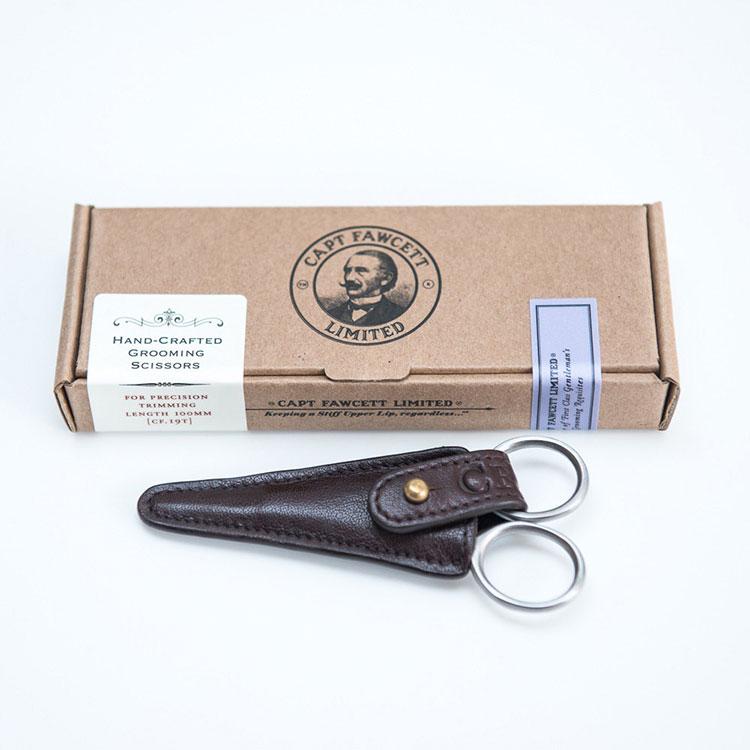 Captain Fawcett Grooming Scissors, Smidig sax i snyggt fodral för klippning av mustasch och spretande skägghår.