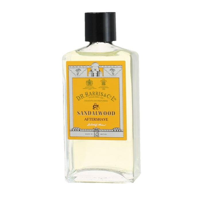 D.R. Harris Sandalwood Aftershave, Klassiskt rakvatten med alkohol som klappas in på huden efter rakning.