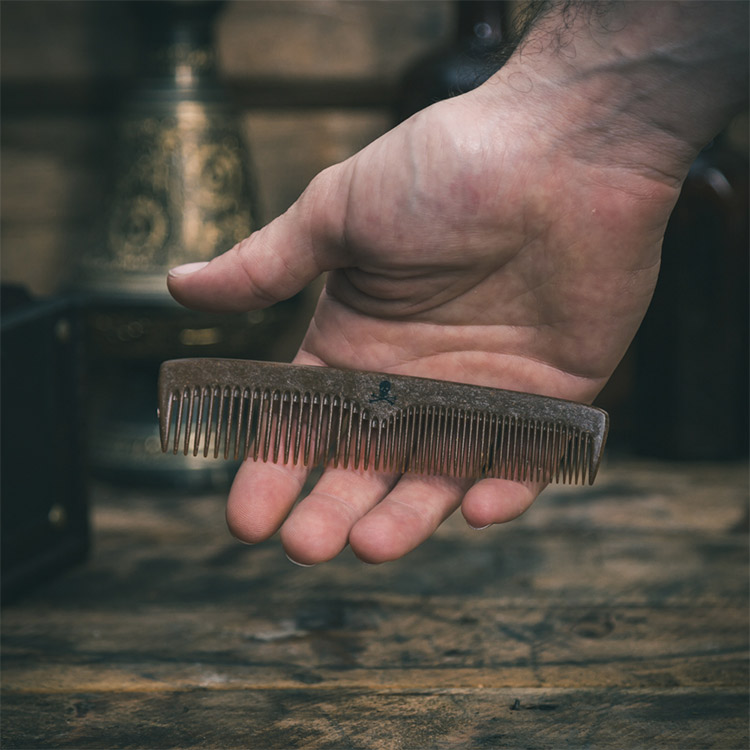 The Bluebeards Revenge Liquid Wood Beard & Mo' Comb