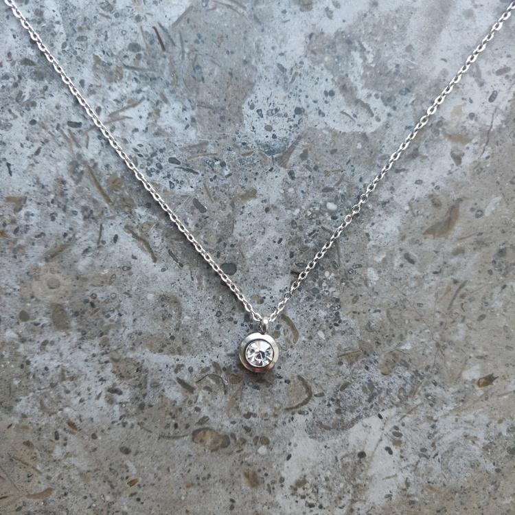 Halsband - rostfritt stål med strassberlock