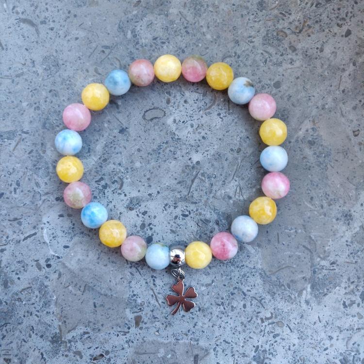 Armband - olika pärlor