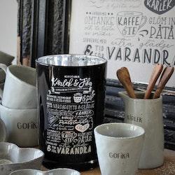 Majas Kärlek & fika recept, lykta svart