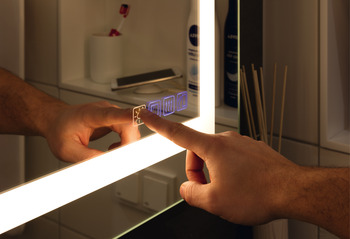 Badrumsspegel - Exclusive Line, 900 x 900 mm - Bluetooth