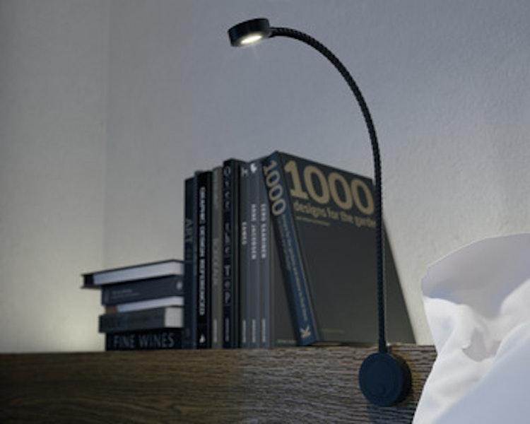 Säng-/läslampa - svart med USB-uttag