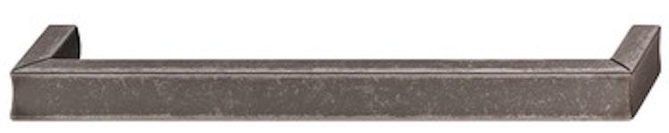 Modell H1915 - finns i antikt tenn, matt svart och borstad nickel, cc 160 mm