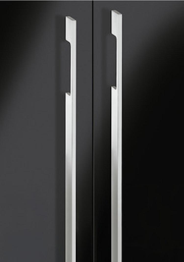 Modell B6260 - finns i svart och krom, längder 300 - 800 mm
