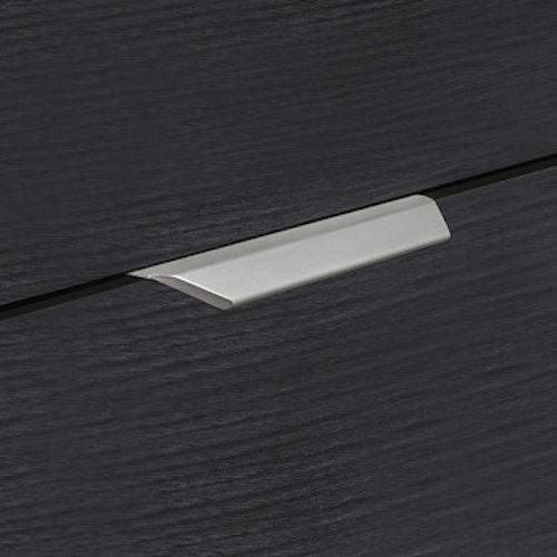Modell P014 - finns i silver, rostfritt, mässing och svart, cc 256 och 1120 mm