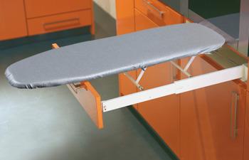 Strykbräda för montering bakom lådfront