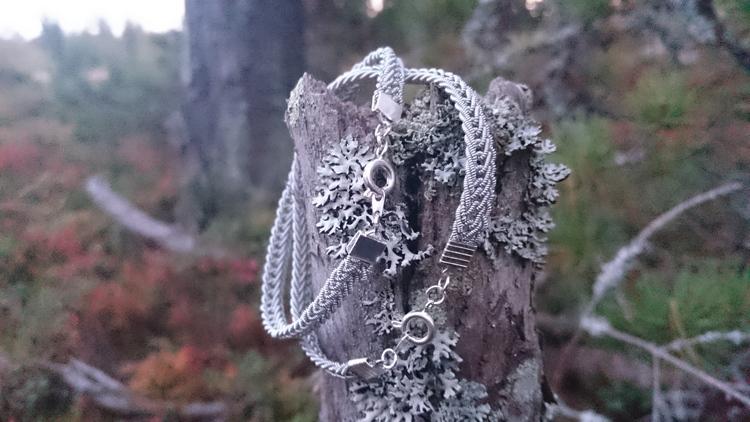 Nålbunden länk, silverfärgad klassisk