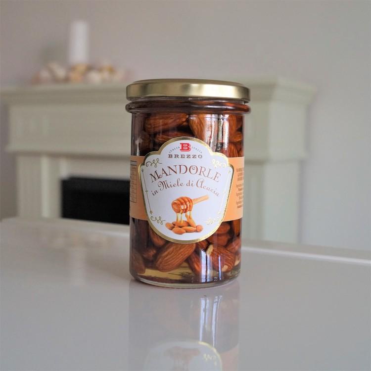Greedy Fruits Almonds