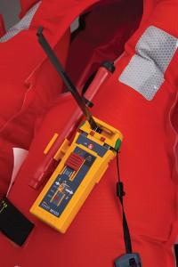 Ocean Signal 742S-02087 - M100, Professionell MOB-sändare med AIS och 121.5 MHz pejlsignal, 12+ tim driftstid