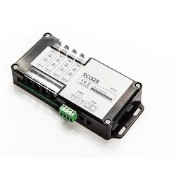 SIMARINE S008 - SCQ50 Quadro shunt 4x 50A. Mäter ström/spänning från 4 st separata strömförbrukare, för PICO display