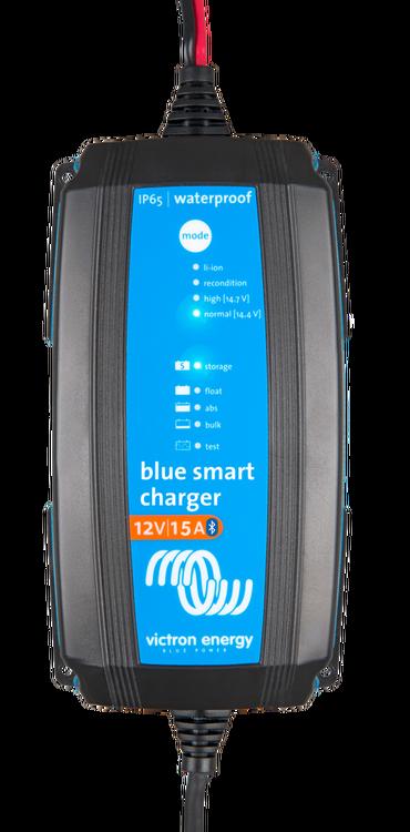 Victron Energy BPC121531064R - Blue Smart IP65 batteriladdare, 12V/15A Bluetooth, 7-stegs laddning, för Lithium och blybatterier