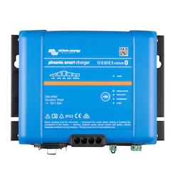 Victron Energy PSC125053085 - Phoenix Smart IP43 Charger 12/50(3) 230V, 5-stegsladdare med tre utgångar, Bluetooth, exkl kabel