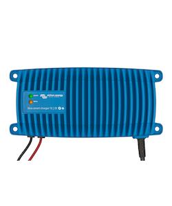 Victron Energy BPC241213006 - Blue Smart IP67 batteriladdare 24V/12A, Bluetooth, 7-stegs laddning, för Lithium och blybatterier