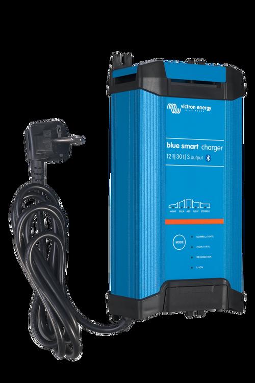 Victron Energy BPC123048002 - Blue Smart IP22 batteriladdare. 12V/30A, 3 utgångar. Bluetooth. 7-stegs laddning. För Lithium och blybatterier