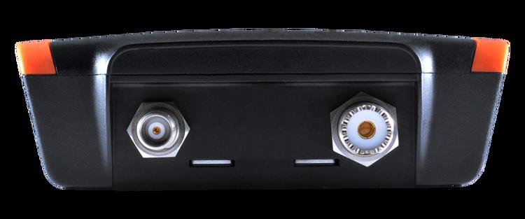 Em-trak B952 - AIS klass B transponder, 5W CSTDMA, WiFi & Bluetooth