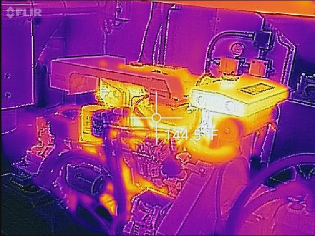 FLIR - AX8 Kamera för både synligt ljus och värmestråling med temperatusmätning