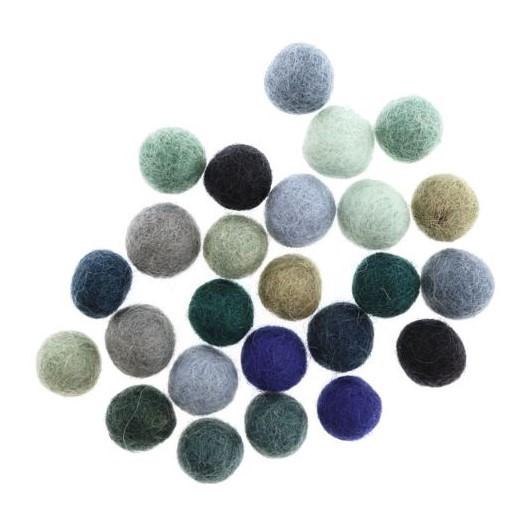 Små ullbollar i olika färgkombinationer