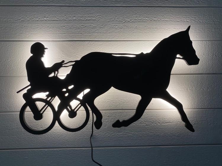 Vägglampa Travhäst