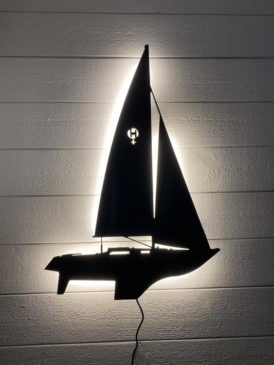 Vägglampa Segelbåt Lady Helmsman