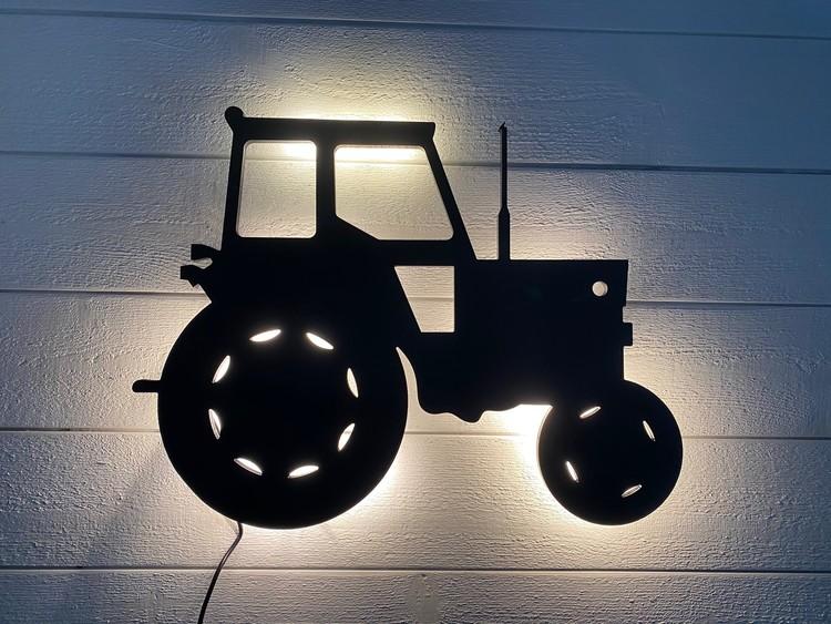Vägglampa Traktor MF135