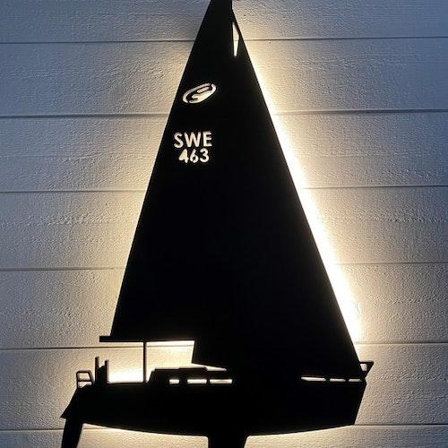 Vägglampa Segelbåt Elan 333