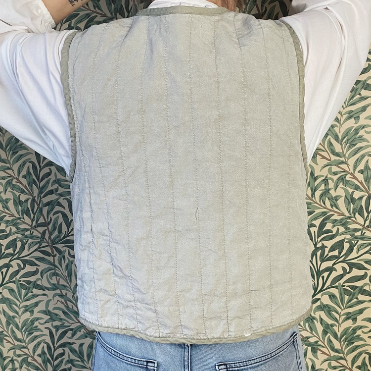 Quilted Vest - Pomegranate green