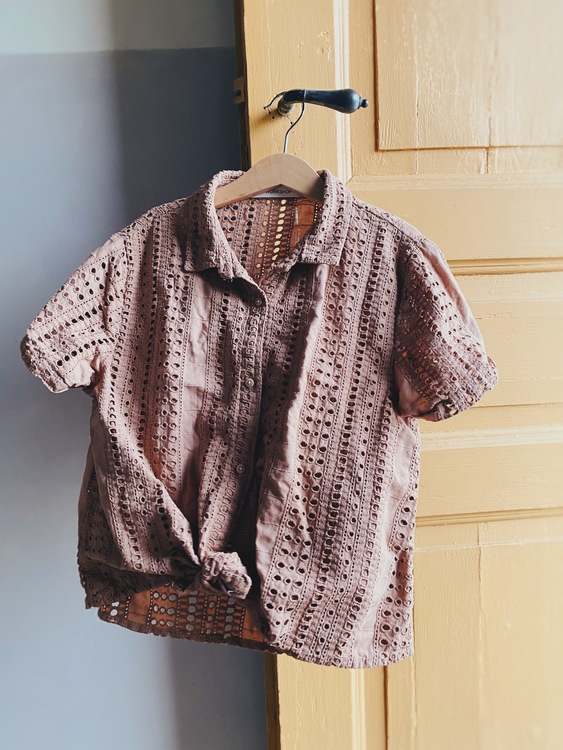 Broderie anglais shirt size 134/140 - Acacia brown