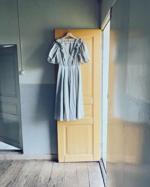 Puff sleeve dress size 38- Pomegranate green