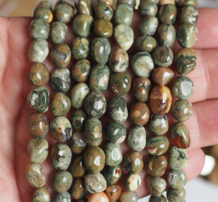 Rhydolit/Regnskogsjaspis pärlor nuggets
