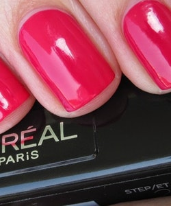 L'Oreal Infallible Gel Effect 2-Step DUO Nail Polish - 010 Keep Magenta