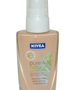 Nivea Pure & Natural Foundation with  Argan Oil 30 ml  Apricot