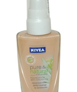 Nivea Pure & Natural Foundation with Argan Oil 30 ml Sand