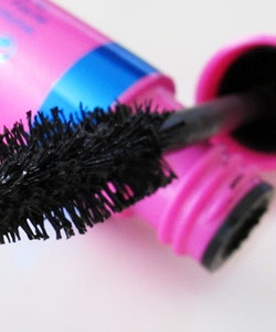 Rimmel Max Volume Flash Mascara-Black & Water Resistant