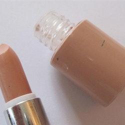 Saffron-Dual Toned Concealer&Skin Colour Foundation-Tan