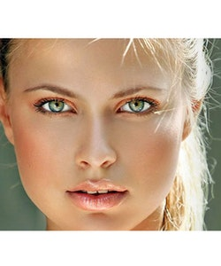 Sunkissed Beautiful The Perfect Sculpt Glow Stick-Gold Shimmer