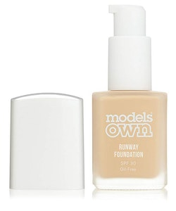 Models Own Runaway Oilfree SPF30 Foundation-02 Porcelain
