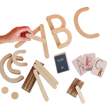 Large box - 38 wooden magnetic parts