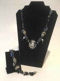Frida Kahlo Black and White smycken
