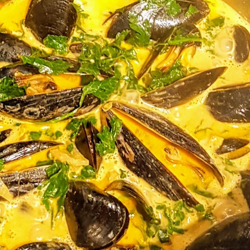 Fisk- & Skaldjursgryta med saffran och aioli